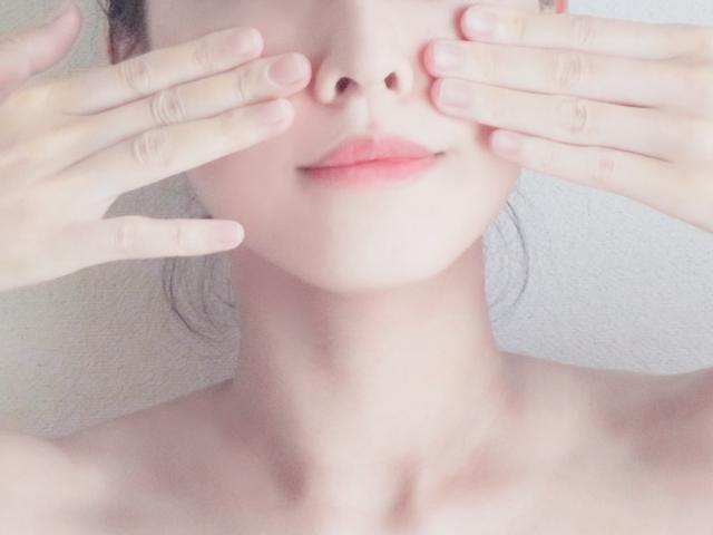 化粧 水 ハンド プレス