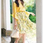 花柄スカートのコーデを春ファッションで考えるなら黄色を取り入れてみる